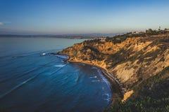Point plat de roche au coucher du soleil Photo stock