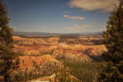 Point of View en la immensidad del parque del barranco de Bryce Imagenes de archivo