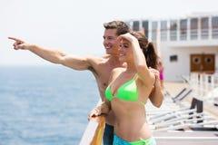 Pointage de croisière de couples Photographie stock libre de droits
