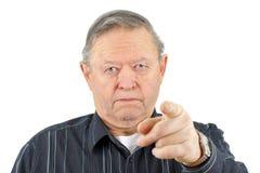 Pointage fâché d'homme aîné Photos libres de droits