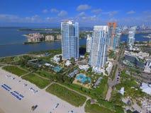 Pointe пляжных кондо Miami Beach южное стоковые фотографии rf
