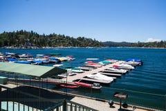 Pointe de flèche Shoreline de lac images libres de droits