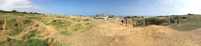 Pointe du Hoc panorama, Frankrike Arkivfoto