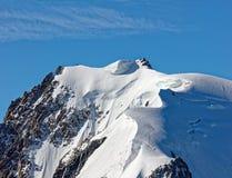 Pointe Lachenal, Chamonix, França do sudeste, Auvergne-RhÃ'ne-Alpes Os montes de neve artísticos criaram pelo poder do vento em P imagem de stock royalty free