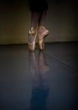 Pointe Schuhe Stockfotos
