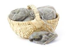 Pointeau de laine d'amorçage et de tricotage. Images stock