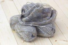 Pointeau de laine d'amorçage et de tricotage Photos libres de droits