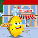 Pointing lemon chef with pizza in front of a restaurant Royalty Free Stock Photos