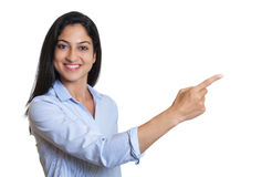 Pointing turkish businesswoman Royalty Free Stock Image