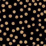 Points de polka d'or brillants de scintillement sur le fond blanc Image libre de droits