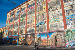 5Pointz graffitigebouwen Stock Foto