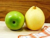 Poire verte de Chinois de jaune de pomme Images libres de droits