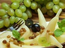 Poires avec des raisins secs Image libre de droits