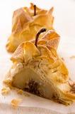 Poires cuites au four en pâte avec le remplissage Nuts Photographie stock libre de droits