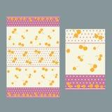 Pois y modelo rosados de las cerezas para el mantel Imagenes de archivo