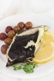 Poissons avec les olives et le citron Photo stock
