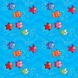 Poissons colorés mignons nageant sous l'eau avec l'illustration sans couture de vecteur de modèle de vagues Images stock