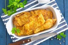 Poissons frits dans une pâte lisse Photo libre de droits