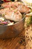 Poissons grillés ou variétés de poissons de casseroles images libres de droits