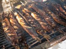 Poissons thaïlandais de chat grillés photos stock