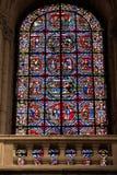 Poitiers, França - 12 de setembro de 2016: Interior da igreja de Imagem de Stock