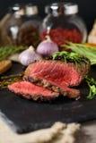Poivre rare coupé d'ail d'Angus de noir de bifteck photos stock
