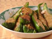 Poivrons bourrés de Chinois avec de la viande hachée Photographie stock libre de droits