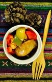 Poivrons de cuisinier avec le pinecone d'Ombre Image stock