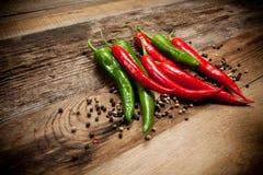 Poivrons de piment d'un rouge ardent Photo stock