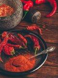 Poivrons de piment rouge moulus et secs photo stock