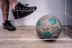 Pojęcie futbol i gracz piłki nożnej zdjęcie royalty free