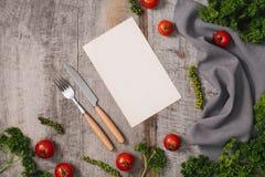 Pojęcia żywienioniowy i jarzynowy jedzenie Talerz z marmurowymi wzorami zdjęcie stock