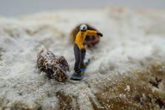 Pojęcia jazda na snowboardzie na białej górze Fotografia Royalty Free