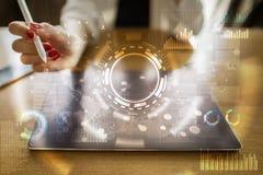 pojęcia odosobniony technologii biel Ikon, diagramów i wykresów tło na wirtualnym ekranie, Zdjęcia Stock