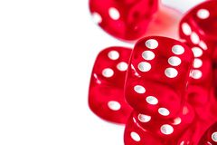 Pojęcia szczęście - kostka do gry uprawia hazard na białym tle obrazy stock