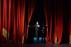 pojęcia zasłony prezentaci czerwony przedstawienie sceny teatr Zdjęcie Royalty Free