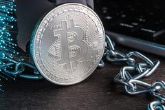 Pojęcie światowy crypto waluty bitcoin Elektroniczne zapłaty, blockchain technologia Handel w srebnej crypto walucie obrazy royalty free