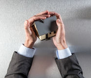 Pojęcie cenny posiadanie domu lub ciepła budynek ochrona Zdjęcie Stock
