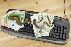 Pojęcie cyberprzestępstwo Działalność przestępcza wykonująca komputerami i internetem Obrazy Stock
