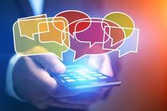 Pojęcie dosłanie email na smartphone interfejsie z wiadomością ic Obrazy Royalty Free