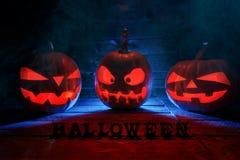 Pojęcie Halloween Trzy jarzy się z ognistym światłem zło Obrazy Royalty Free