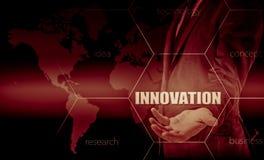 Pojęcie innowacja w biznesie Biznesmen pracuje z laptopem i pastylką Wzrostowe statystyki Wzrostów zyski Fotografia Stock