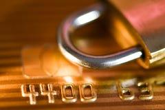 Pojęcie karty kredytowej bezpieczeństwo danych Ochrona bank karty zapłaty fotografia stock