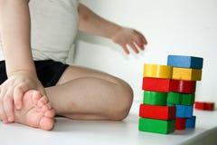 Pojęcie młoda budowa Dziecko budowy Zdjęcie Royalty Free