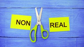 Pojęcie motywacja wpisowi ` non istni nożyce między one i ` bramkowy osiągnięcie, potencjalny pokonywanie fotografia stock