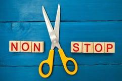 Pojęcie motywacja wpisowi ` non przerwy nożyce między one i ` bramkowy osiągnięcie, potencjalny pokonywanie obraz stock