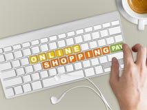 Pojęcie online zakupy Słowa na klawiaturowym guziku Zdjęcie Royalty Free
