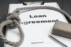 Pojęcie pożyczanie i dotkliwość pożyczkowy odpłacenie Pożyczkowa zgoda, pętla, mydło, pióro Zdjęcie Stock