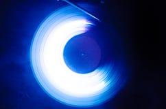Pojęcie prędkość Winylowy rejestr - ślad ogień i dym - Płonący winylowy dysk Turntable winylowy dokumentacyjny gracz Retro audio  Obraz Royalty Free