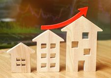 Pojęcie rynku nieruchomości przyrost Wzrost w lokalowych cenach Wzrastające ceny dla użyteczność Narosły interes wewnątrz obrazy royalty free